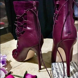Sexy hot booties!